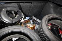 V kufru vozidla ležela i půlmetrová mačeta