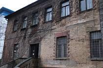 Záchrana Larischovy vily pokračuje. S hejtmanem si ji prohlédl i ministr kultury Zaorálek