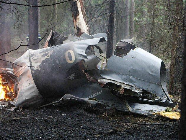 U Holic se zřítil do lesa vojenský bitevník L-39
