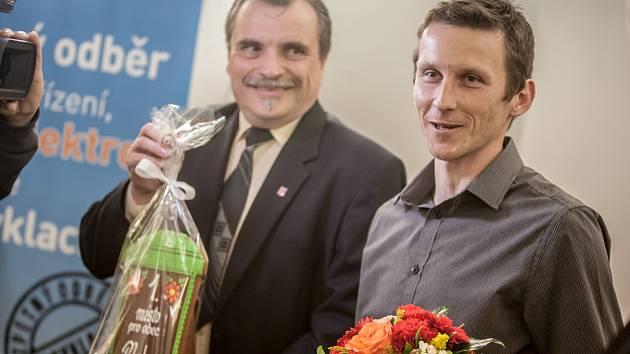 O perníkovou popelnici 2016 - Bohuslav Půlpán, starosta obce Plch, která se stala absolutním vítězem ankety i mezi obcemi do 300 obyvatel.