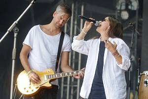 Pardubice budou od pátku do neděle plné hudebních hvězd. V pátek vystoupí na zámku Anna K., v sobotu na stejném místě zahraje Vypsaná fiXa a jako host Ivan Mládek. Víkend uzavře v neděli koncert Lucie.