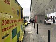 Resuscitace na autobusovém terminálu bohužel neskončila úspěchem.