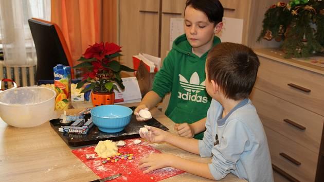 V dětských domovech v Pardubicích a v Holicích zůstává přes Vánoce kolem dvaceti chlapců a dívek.