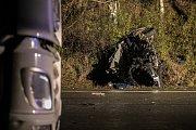 Tragická nehoda u Chýště si vyžádala dva lidské životy.