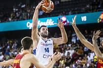 Kamil Švrdlík se po třech letech vrátil do reprezentace. Právě se snaží prolomit španělskou obranu na mistrovství Evropy.