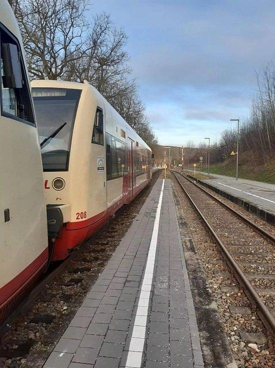 Vozy musí projít modernizací a takzvanou bohemizací, tedy úpravami nutnými pro provoz na české železnici.