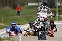 Na sídlišti Závodu míru se konal mezinárodní závod v bikrosu O štít města Pardubic.