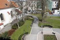 Komenského náměstí čeká rekonstrukce. Uprostřed by měla vyrůst i fontánka.
