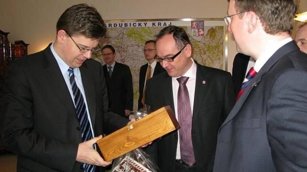 Ministr spravedlnosti Jiří Pospíšil navštívil Pardubický kraj.