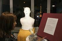 Busta Freddie Mercuryho vznikala od loňského roku