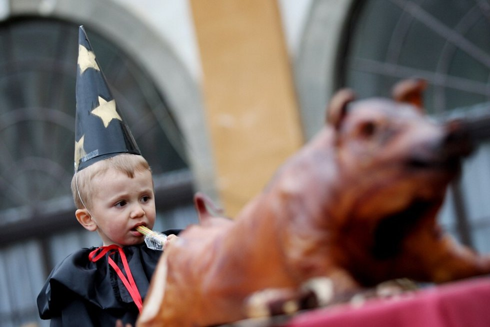 Oslavy Filipo-Jakubské noci v Cholticích