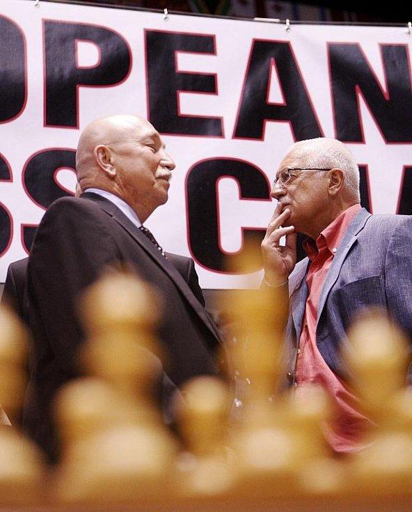Prezident Václav Klaus v pondělí zavítal na mezinárodní festival šachu a her Czech Open do pardubické ČEZ Areny.