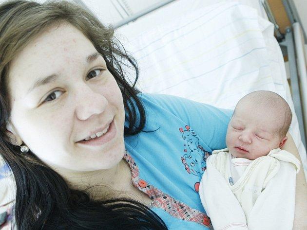 Gabriela Šedivková se narodila 18. března v 6:54 hodin. Měřila 49 centimetrů a vážila 3110 gramů. Maminku Ivanu u porodu podpořil tatínek Martin a rodina je z Pardubic.