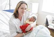 ADÉLA SCHEJBALOVÁ se narodila 12. února ve 23 hodin a 1 minutu. Měřila 50 centimetrů a vážila 3900 gramů. Maminku Martinu podpořil u porodu tatínek Jiří. Rodina bydlí ve Zminném.