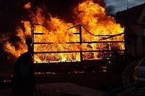 Požár přívěsu nákladního automobilu.v Přelouči