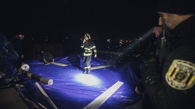 Domov pro seniory zaplavila voda ze střechy