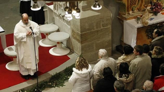 Štědrovečerní Půlnoční mše v pardubickém kostele sv. Bartoloměje