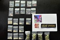 Drogy, které celníci zadrželi ve vlaku
