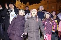 Pardubice zpívaly koledy na Pernštýnském náměstí.