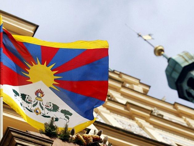 Tibetská vlajka zavlála na pardubické radnici