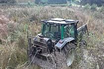 Traktor u Býště přejel vlastního řidiče
