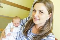 Vojtěch Bureš se narodil 15. července ve 12:41 hodin. Vážil 2790 gramů a měřil 48 centimetrů. Maminku Veroniku u porodu podpořil tatínek Dan. Rodina je z Pardubic.