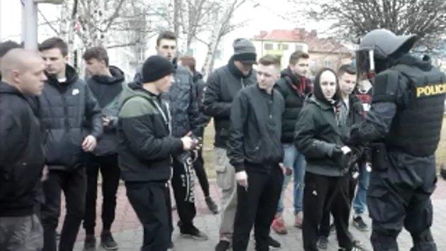 Policie musela po derby krotit fanoušky