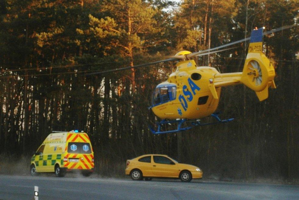 Řidič osobního vozu u Živanic srazil 12letého cyklistu.