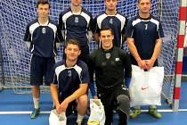 Vítězem turnaje se stal Krejča team – horní řada zleva: Pavel Sokol, Denis Mayer, Jonáš Klír, Marek Řehák. Dolní řada zleva: Jan Málek a Nicolas Šmíd.