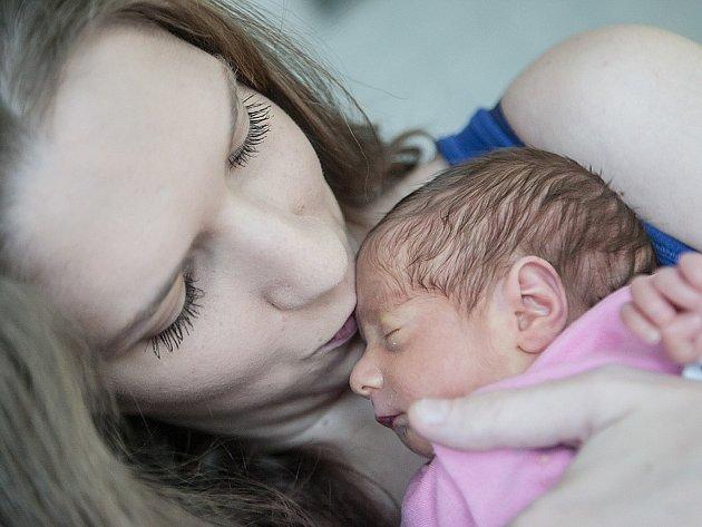 Rozálie Matrasová se narodila 1. prosince v 7:24 hodin. Měřila 44 centimetrů a vážila 1950 gramů. Maminka Milana má doma v Nechanicích ještě dvouletého Jakuba.