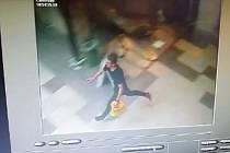 Zloděj kondomů na útěku.