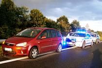 K zastavení řidiče musel strážník použít hrozbu namířenou střelnou zbraní. Za jeho volantem seděl opilý řidič.
