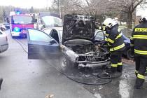 Požár auta na sídlišti Studánka.