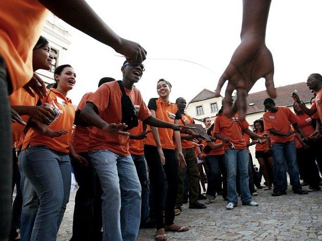Jihoafričané rozezpívali pardubický zámek