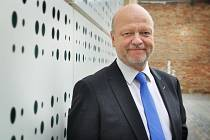 Rektor Jiří Málek.