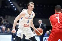 Tomáš Vyoral (č. 4) v kvalifikačním utkání s Dánskem