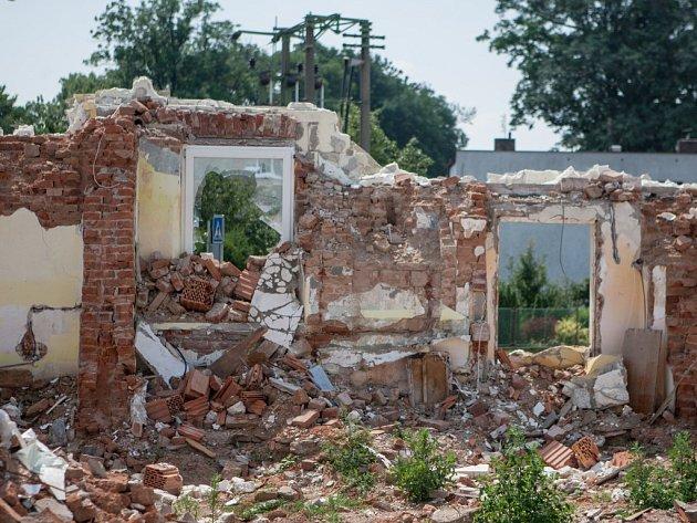Ruiny bývalé ubytovny ve Starých Ždánicích