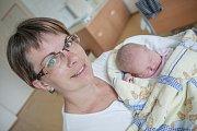Veronika Ungrádová se narodila 5. srpna 1:20 hodin po půlnoci. Vážila 3,85 kilogramu a měřila 53 cm. Tatínek Martin byl s maminkou Monikou u porodu. Doma v Holicích mají Davida (4) a Moniku (2,5).