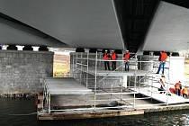 Wonkův most během oprav.