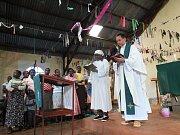 Humanitární organizace ADRA vozí do africké Keni pomoc v podobě léků a dalšího potřebného materiálu. Situace obyčejných lidí v této africké zemi se zhoršila po prosincových prezidentských volbách. ADRA provozuje v Itibu ambulanci s porodnicí
