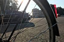 Řidiči mohou auto nechat na parkovišti a do centra města pokračovat na kole nebo autobusem.