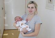 SEBASTIAN LEJSEK se narodil 30. října ve 23 hodin a 8 minut. Měřil 50 centimetrů a vážil 3730 gramů. Maminku Nikolu podpořil u porodu tatínek David. Rodina bydlí v Turkovicích.
