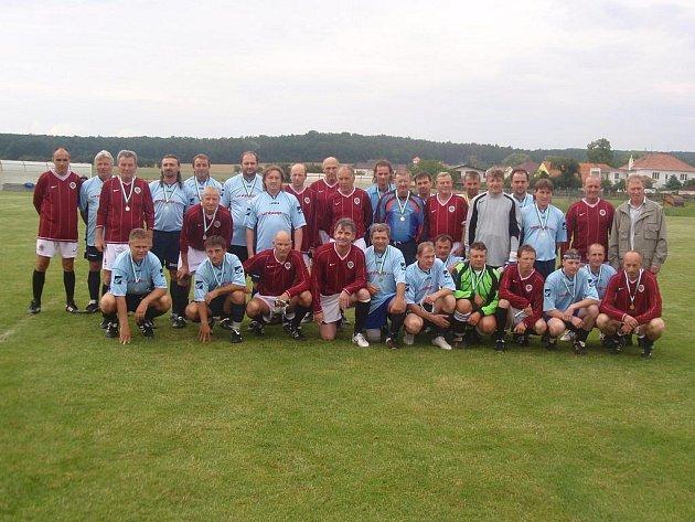 Ve Chvojenci byla v sobotu velká sláva. Fotbalový klub TJ Sokol Chvojenec totiž slavil osmdesát let své existence.