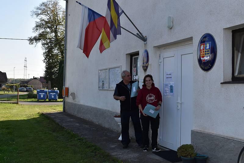 V Selmicích poprvé volila Barbora Chládková, 18 let oslavila teprve před týdnem.