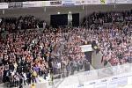 Protest na Jižní tribuně - základně pardubického hokejového fanklubu. Před začátkem protestu.