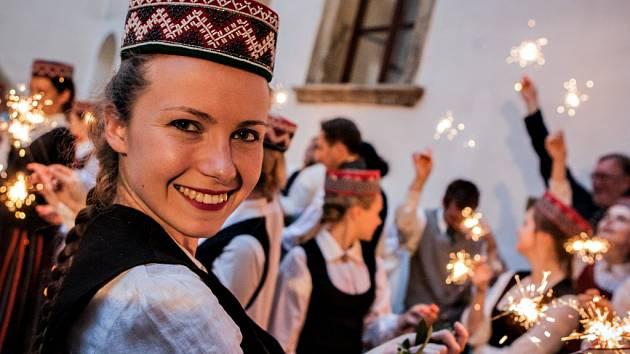 Mezinárodní festival akademických pěveckých sborů IFAS 2016. Zahajovací Nocturno na pardubickém zámku.