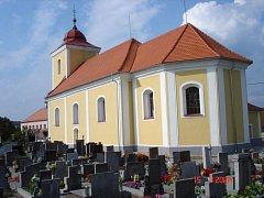 Kostel svatého Jiří v Býšti.