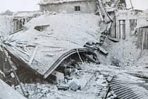 Takhle vypadala dílna po náletu. Malá průmyslová zóna za starým pardubickým nádražím byla v troskách.