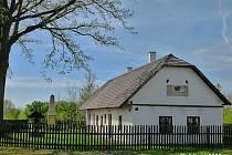 Rodný dům bratranců Veverkových.