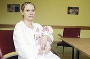 DANIELA HÁJKOVÁ se narodila  16. března ve 20 hodin a 7 minut. Vážila 3620 gramů a měřila 51 centimetrů. Maminku Terezu podpořil při porodu tatínek Tomáš. Bydlí v Dolní Rovni a doma na ně čeká sedmiletý Adam.